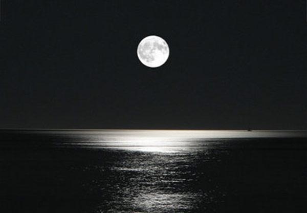 A lua e o mar (versão 1)