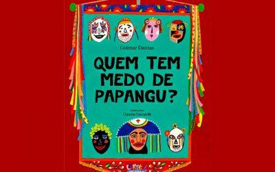 Papangu em português e em Libras